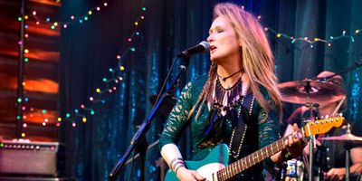 Ricki and the Flash Reveals Main Trailer